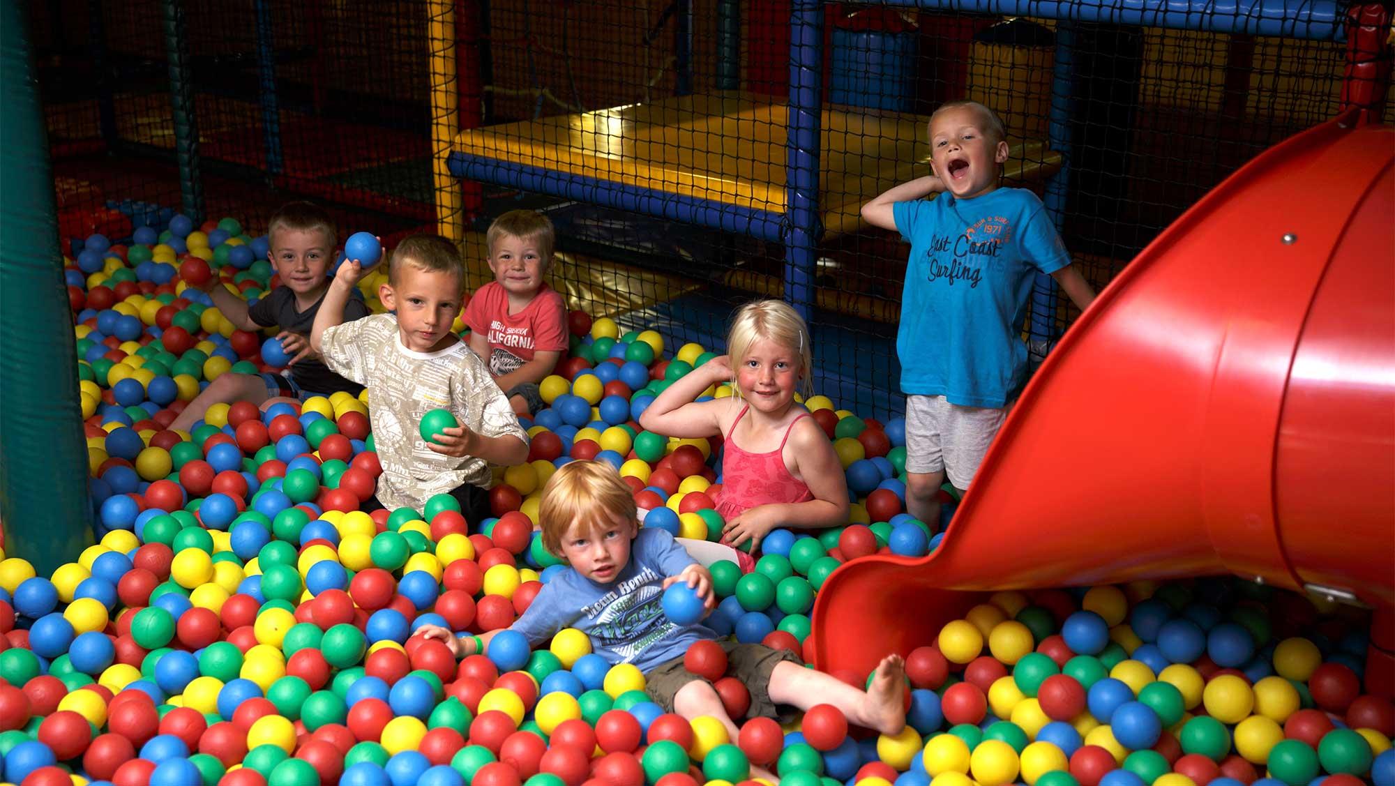 Binnenspeeltuin Flippies Pretpaleis in Bakkeveen | Dagje uit vol pret bij  Molecaten!